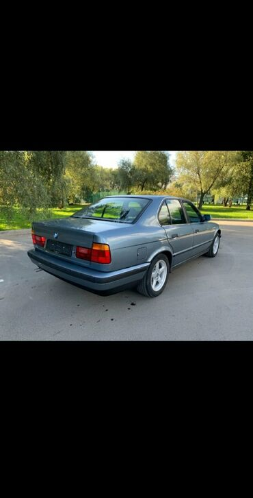 Автомобили - Каракол: BMW 520 2 л. 1988 | 200000 км
