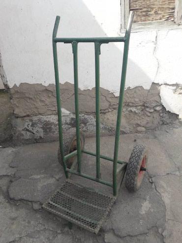 тележку-удобная в Кыргызстан: Продаю очень прочную тележку. Крепкий металл. Размеры: высота - 130