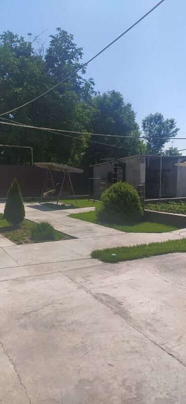 Продается дом 180 кв. м, 6 комнат, Без ремонта
