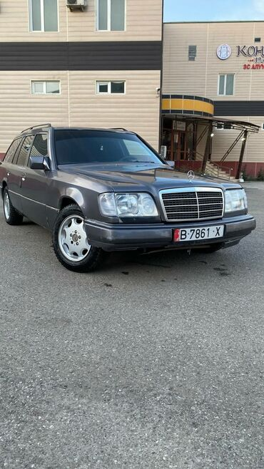 Mercedes-Benz E 200 2 л. 1994 | 735 км
