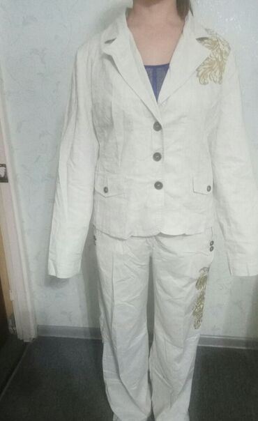 Новые женские костюмы р.48-50 фабричные (лен,атлас,вельвет)