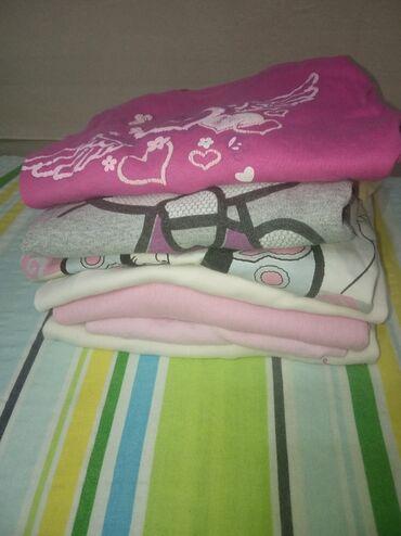 Dečija odeća i obuća - Knjazevac: Bluzice za devojcice od 10 godina, 7 bluzica, Cena je simbolicna 200