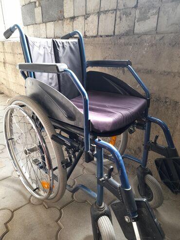 продам бу в Кыргызстан: Продаю бу инвалидную коляску.Рабочая.Адрес Улан 2 микрорайон