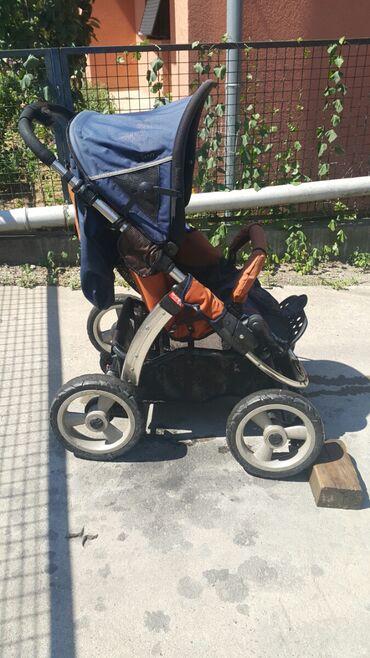 Decija kolica - Srbija: Decija kolica,malo koriscena. Super stanje,imaju amortizere. Mozete