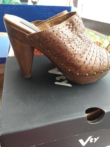 Ženska obuća | Petrovac na Mlavi: Potpuno nove,original Zara,kozne,drvena stikla,broj 41 ali odgovara