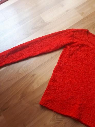 Bluza kao nova bez tragova nosenja, jako rastegljiva, odgovara S/M br. - Despotovac - slika 4