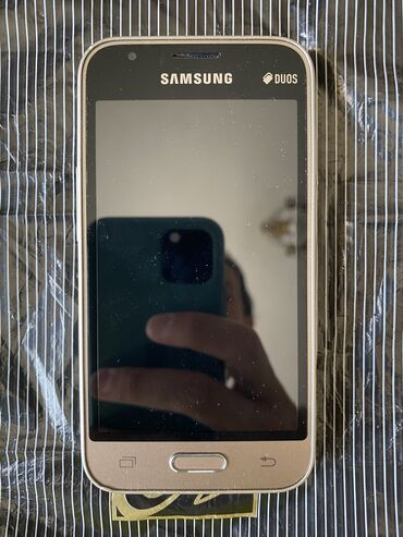 Телефон бишкек купить - Кыргызстан: Продам телефон, пользовалась племянница, куплен был в Самсунг центре