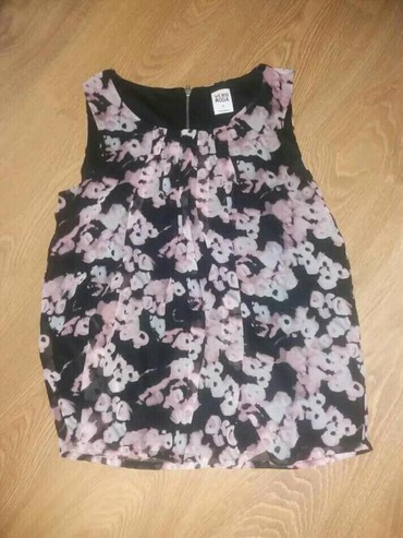 Ženska odeća | Loznica: Vero Moda bluza velicina XS
