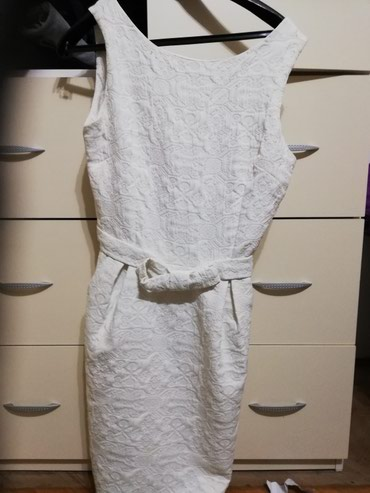 Haljina, nova, nenošena, ocuvana, bele boje, svecana, zakopčava se - Nis