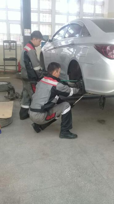 Организация выполняет любые виды ремонта легковых автомобилей современ
