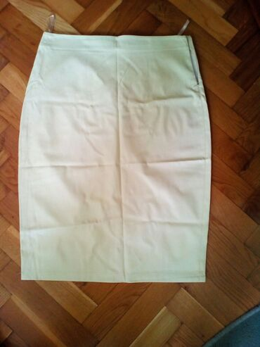 Od skaja - Srbija: Suknja od skaja, do kolena, broj XL, zuta boja, samo 300 dinara