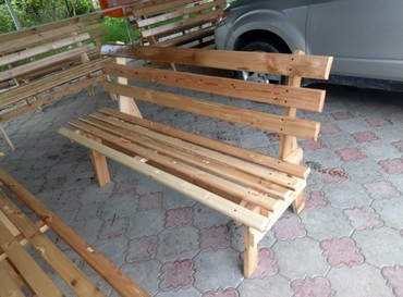Скамейка новая, удобная, лакированная. длинна 2метра