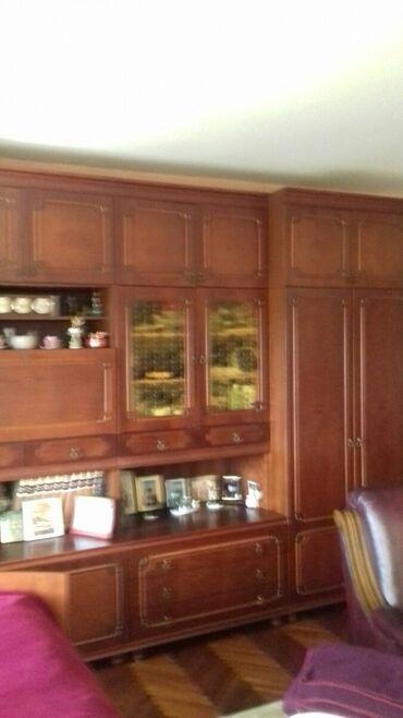 Garniture - Srbija: Lep i ocuvan regal. dim.3.2x60x2.40cm.cena nije fiksna