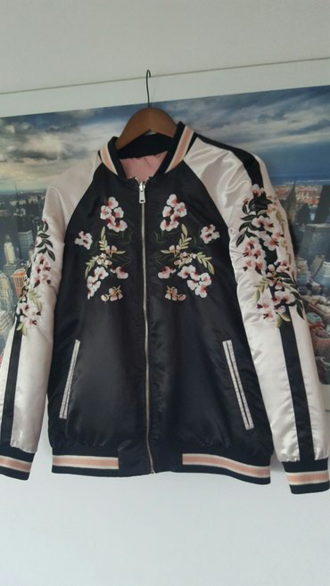 Stradivarius bomber jakna sa dva lica,malo nosena,fenomenalna - Belgrade
