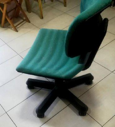 Nameštaj - Batajnica: Stolica očuvana