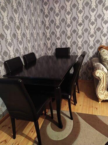 Masa dəsti. Masa açılandı. Oturacağın birində problem var. Qiymət: 300