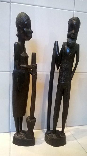 2 αγαλματίδια σκαλισμένα σε Athens