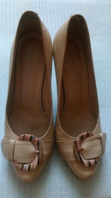 Продаю нюдовые туфли лодочки из натуральной кожи. размер 37, высота