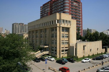 Bakı şəhərində Muhafizeye novbe reisi teleb olunur,yas heddi 22-50 yas