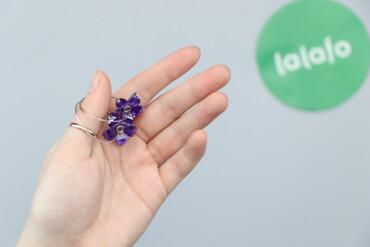 Жіночі сережки з фіолетовими квітками     Стан гарний