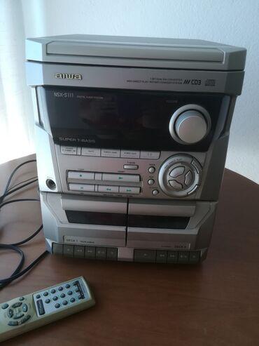 Muzika - Srbija: Muzička linija,3 cd, 2 kasete, radio. Radi, ali treba sitne