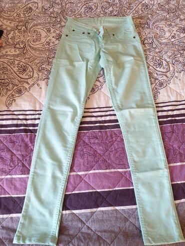 Letnje pantalone - Srbija: Ženske letnje pantalone! Svetlo zelena boja! Velicina 26