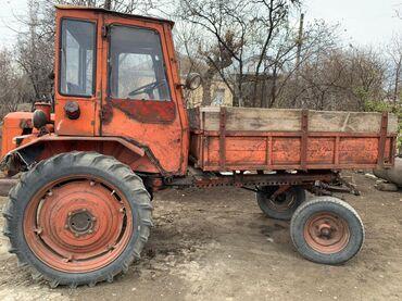 Traktor T 16. İşlək vəziyyətdədir. Texnika Ağstafadadrı. Heç bir
