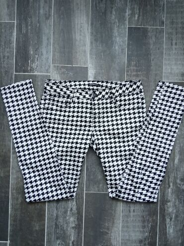 Pantalone cm - Srbija: Terranova uske pantalone, velicina L. Poluobim struka 39 cm. Dubina