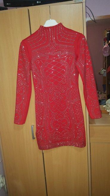 Nova haljina, crvene boje, sa zlatnom nitnama, dugih rukava - Kostolac