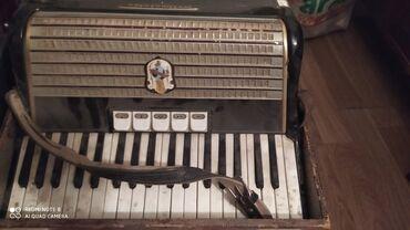 Аккордеоны - Азербайджан: Təcili satılır akkordeon, продаётся срочно,реалтным клиентам будет