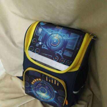 Продаю б/у детский школьный рюкзак в отличном состоянии.Пользовались