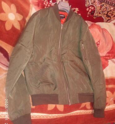 Продаю фирменную тёплую куртку, б/у, состояние отличное, размер 46