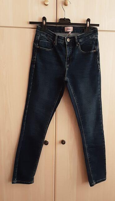 Προσωπικά αντικείμενα - Ελλαδα: Γυναικείο τζιν (ελαφρώς ελαστικό), size S, χρώμα : σκούρο μπλε, έχει