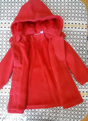 uşaq paltosu - Azərbaycan: Uşaq paltosu az geynilib Türkiyə malıdı 3,4 yaş uşaqcündü satılır