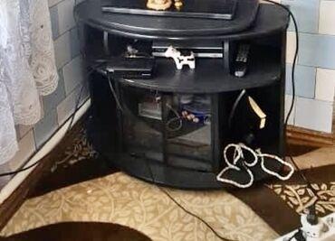 Тумба под телевизор 500 сом