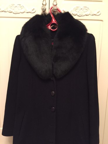 Продам пальто. Разаер М 38-40 размер. в Бишкек