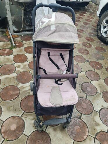 Детская коляска,прогулочнаяочень легкая искладывается 1 рукой,очень