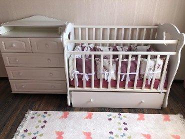 Продаю! кроватка+комод-пеленальный столик. кроваткой не пользовались!