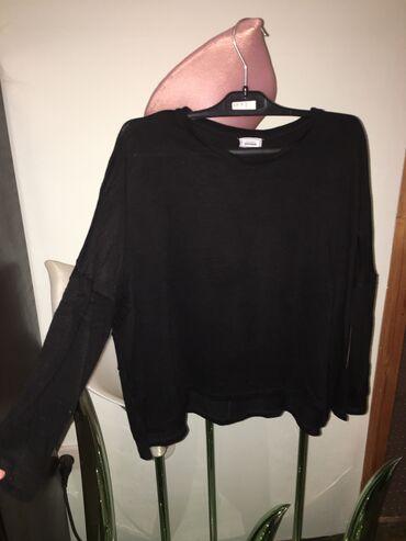 Bluzica džemper sa spuštenim rukavima sira je takav je model