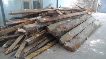 Bakı şəhərində Odunluq taxta satılır
