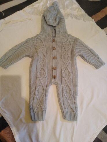 Детская одежда и обувь - Беловодское: КОМБИНЕЗОН ДЛЯ МАЛЬЧИКА НА 3_6 МЕСЯЦЕВ ОДЕВАЛА ДВА РАЗА СОСТОЯНИЕ КАК