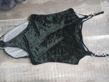 Plisani bodi tamno zelene boje, velicina m, manji l