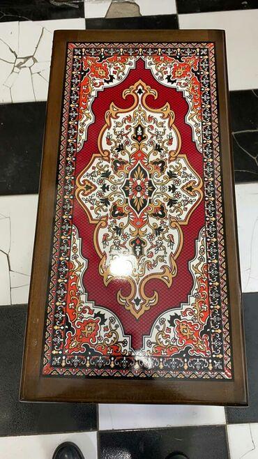 Nərd Taxta satılır.Fıstıq ağacındandır.Diplomat çantasında daşları və