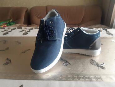 Мужская обувь - Джал: Продаю кеды-ботинки. сезон на теплую зиму,весну. Цена по