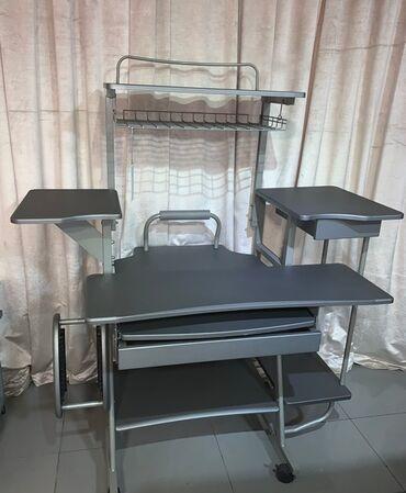 шредеры 11 12 на колесиках в Кыргызстан: Стол компьютерный Германия- стильный и вместительный на передвижных