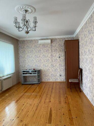 Evlərin satışı - Bakı: Ev satılır 290 kv. m, 6 otaqlı