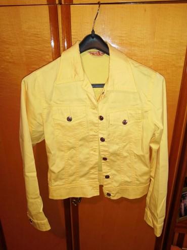 Moderna kratka bunda - Srbija: Zuta jaknica,moderna,kratka strukirana. Vel 36. Obucena par puta u