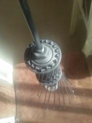 Pravljena lampa koju je moguce okaciti i kao luster... Nema nikakvo ko - Kragujevac