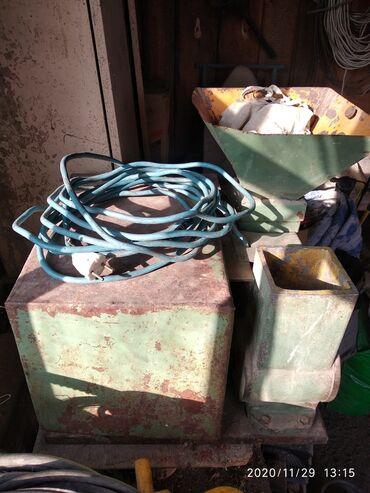 Дом и сад - Ак-Джол: Зерно дробилка заводская одна фазная 220 вольт