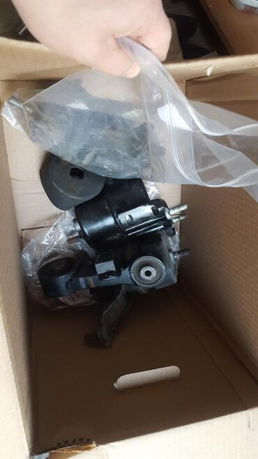Комплект подушек двиг на камри55 2.5 рестайлинг б/у, 1) подушка